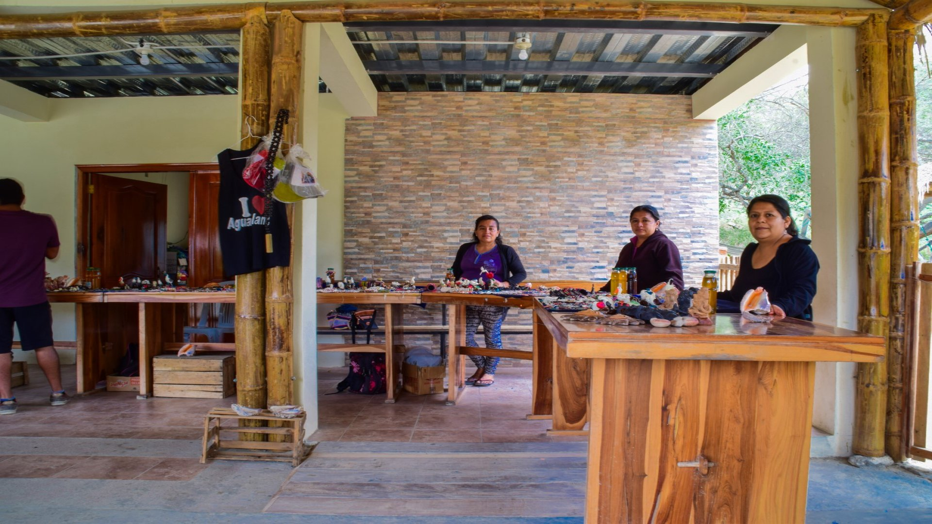 Crafts in the Agua Blanca Community